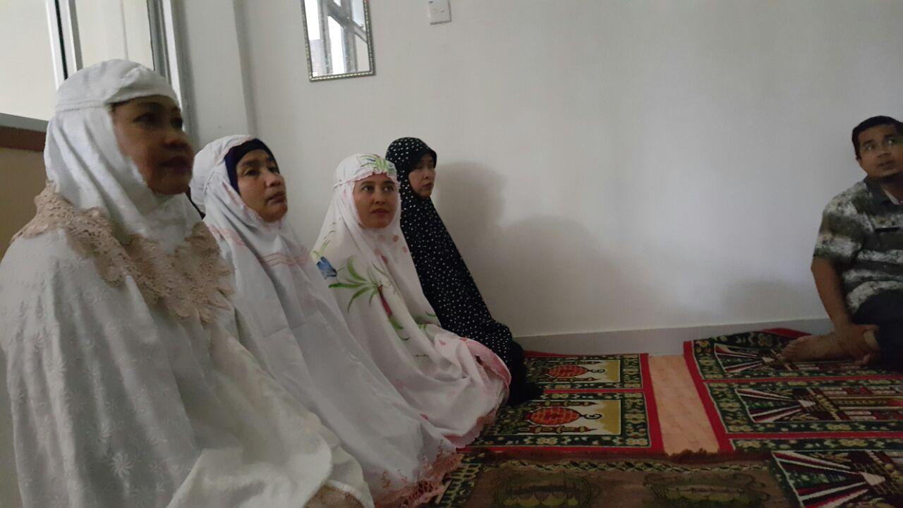 Awal Ramadhan, ASN Kantor Camat Kuranji dan Warga yang Berurusan, Sholat Dzuhur Berjamaah & Kult